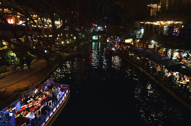 san antonio riverwalk-flickr-Phil Ostroff